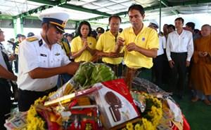 Tưởng niệm các liệt sĩ hy sinh trên biển