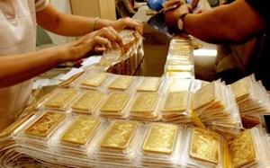 Vàng vượt mốc 34 triệu đồng/lượng