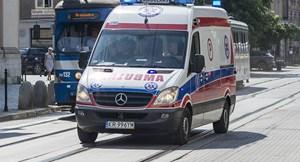 [VIDEO] Tàu hỏa đâm trực diện xe cứu thương tại Ba Lan