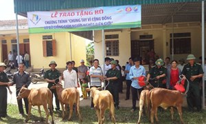 Viettel tặng 189 con bò giống cho đồng bào nghèo biên giới