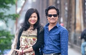 Vợ chồng danh ca Chế Linh ngỡ ngàng trước nhiều cảnh đẹp của Hà Nội