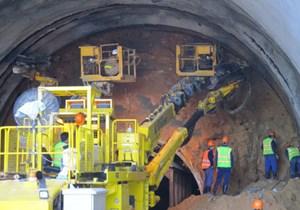 Vỏ hầm Hải Vân xuất hiện vết nứt 'trong giới hạn an toàn'
