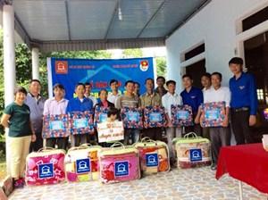 Vũ Quang – Hà Tĩnh:  Bàn giao 11 nhà chống lũ cho hộ khó khăn