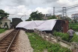 Vụ tàu bị lật ở Nam Định do đường ray không đảm bảo