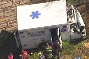 Vừa xuất viện đã tử vong vì xe cứu thương gặp nạn