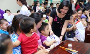 Vui Tết Trung thu cùng các bệnh nhi tại Bệnh viện Xanh Pôn