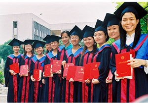 Xây dựng báo cáo về thực trạng giáo dục đại học Việt Nam