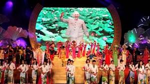Xây dựng và phát triển văn hóa, con người Việt Nam
