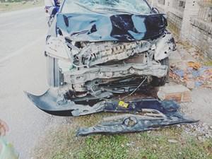 Xế hộp tông trúng xe máy, 2 thanh niên chết tại chỗ