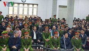 Xét xử sơ thẩm Hà Văn Thắm và đồng phạm: Bảo lãnh vay ngân hàng bằng... tay trắng