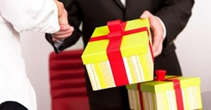 Xử lý những trường hợp tặng, nhận quà không đúng quy định