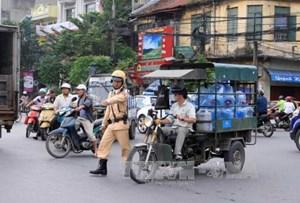 Xử lý xe quá tải, xe giả danh xe thương binh ở Hà Nội: Vẫn tình trạng 'bắt cóc bỏ đĩa'