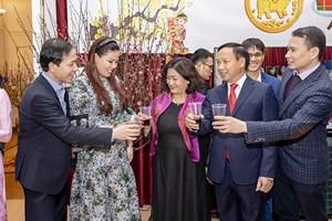 Xuân sum vầy của cộng đồng người Việt trên thế giới