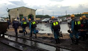 Bục túi nước trong đường lò tại khai trường than Thành Công