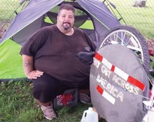 Đạp xe vòng quanh nước Mỹ để... giảm cân
