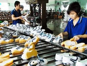 Điều chỉnh tỷ giá: Doanh nghiệp xuất khẩu hưởng lợi
