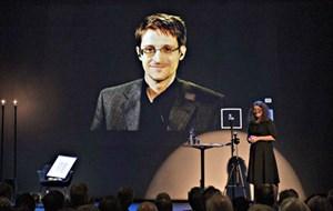 Edward Snowden được trao giải thưởng