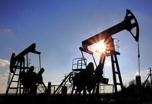 Giá dầu giảm: Cơ hội và thách thức song hành