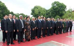 Lãnh đạo Đảng, Nhà nước, MTTQ Việt Nam dâng hương tưởng niệm các Anh hùng liệt sỹ