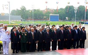 Lãnh đạo Đảng, Nhà nước, MTTQ Việt Nam viếng Chủ tịch Hồ Chí Minh và các anh hùng, liệt sĩ