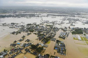 Nhật Bản sơ tán hơn 10.000 người do bão lũ