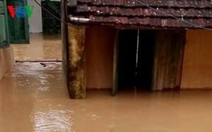 Sơ tán 671 hộ dân bị ngập nhà đến nơi an toàn