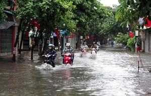 TP.Nam Định: Nhiều tuyến đường ngập sâu trong nước