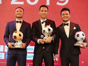 Đỗ Hùng Dũng giành Quả bóng vàng Việt Nam năm 2019