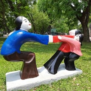 Tìm sự đồng thuận trong trang trí không gian công cộng