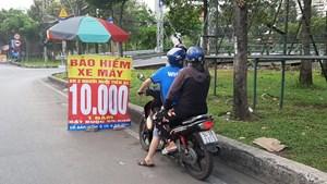 Chấn chỉnh việc bán sản phẩm bảo hiểm xe máy