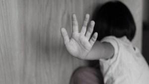 Nghệ An: Xâm hại 2 cháu bé hàng xóm, cụ ông 70 tuổi ra đầu thú