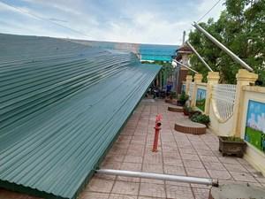 Hà Tĩnh: Lốc xoáy khiến hàng chục ngôi nhà ở 2 huyện miền núi bị tốc mái