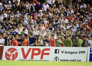 Vòng 4 V-League: Nhóm cuối trỗi dậy