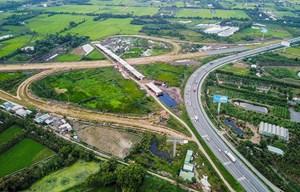 Dự án đường cao tốc Trung Lương - Mỹ Thuận thi công đạt gần 50% khối lượng