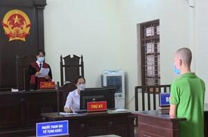 Chống người thi hành công vụ tại chốt kiểm dịch, đối tượng bị phạt 24 tháng tù