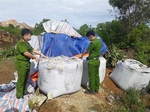 Đã có kết quả xét nghiệm 60 tấn chất thải đổ trộm ở Thanh Hóa
