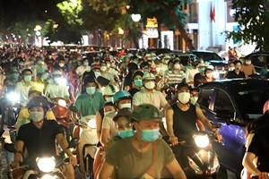 Thủ tướng: Xử lý nghiêm việc tụ tập đông người sau khi nới lỏng giãn cách