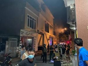 Cháy phòng trà lúc nửa đêm, 6 người thiệt mạng