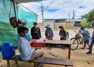 Chuyện 4 mẹ con đạp xe về Nghệ An: Tối ngủ dọc đường, quán mở mới có cơm ăn
