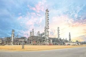 Những khó khăn từ thị trường sản phẩm dầu khí