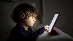 Thêm nhiều mối nguy hại cho trẻ trong những ngày giãn cách xã hội