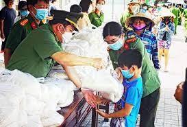 Phú Yên: Hoàn thành việc cấp gạo hỗ trợ người dân