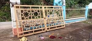 Quảng Nam: Cổng trường đổ sập đè chết một em bé đang chơi