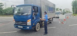 Xe trung chuyển hàng hóa qua Hà Nội không được dừng lại