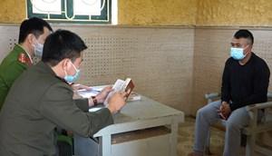 Khởi tố một người Lào vận chuyển gần 1 vạn viên ma túy tổng hợp