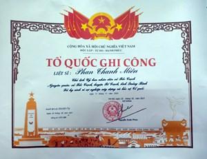 Cấp Bằng 'Tổ quốc ghi công' cho Chủ tịch UBND xã hy sinh vì dân
