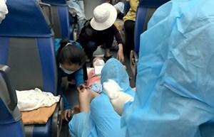 Hai bà bầu trở dạ trên chuyến tàu nghĩa tình về Quảng Bình