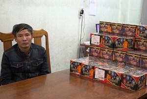 Người đàn ông 47 tuổi bị bắt giữ khi mua bán 62 kg pháo lậu