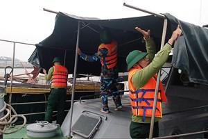 4 tàu cá cùng hỗ trợ lai kéo tàu cá khác gặp nạn trên biển
