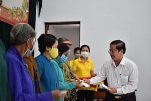 Cần Thơ: Trao 1.000 suất quà cho hộ nghèo, cận nghèo đón Tết